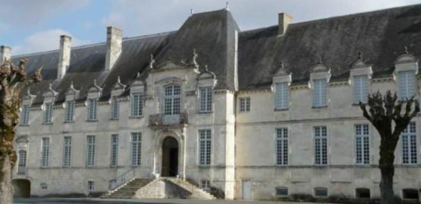 abbaye royale saint jean d 39 ang ly 17 service traiteur. Black Bedroom Furniture Sets. Home Design Ideas